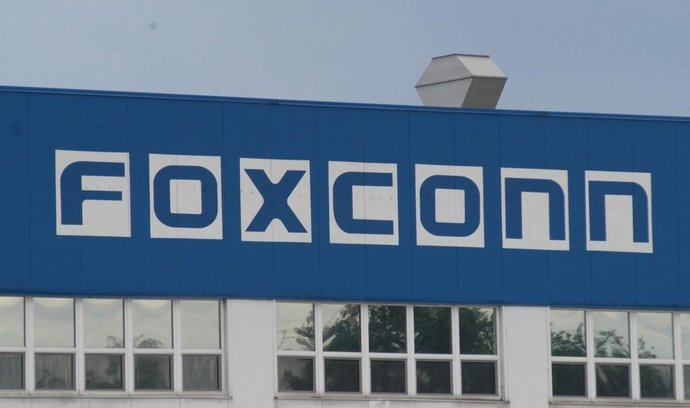 Foxconn propadá, potíže má i v Česku
