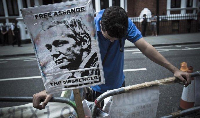 Ekvádorský prezident: Zatčení Assange by bylo sebevražedné