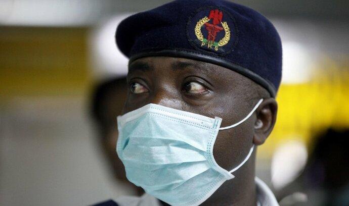 Ebola rozpoutala honbu za zisky