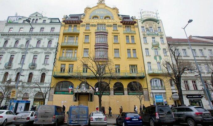Kotelník neuspěl, soud zamítl jeho insolvenční návrh na Grandhotel Evropa