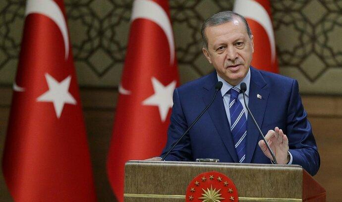 Erdogan se spojí s nacionalisty, aby si zajistil výhru ve volbách