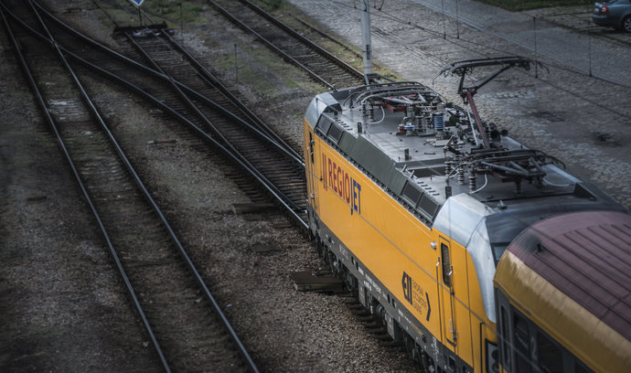 Celkový dluh Jančurova RegioJetu přesáhl jednu miliardu. Dopravce navýšil ztrátu i tržby