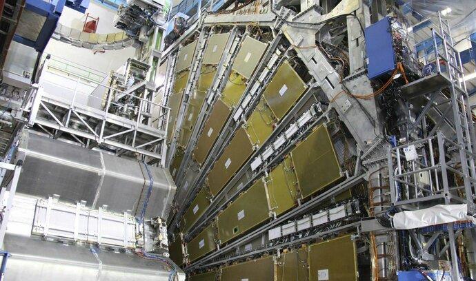 Česko stojí roční vstupenka do evropských spolků miliardy, platí se za CERN i federaci parazitologů