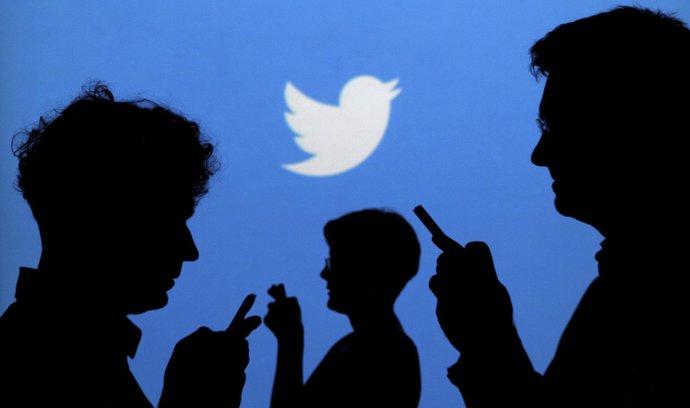 Twitter v hospodaření překonal odhady, přesto ale propustí téměř desetinu pracovníků