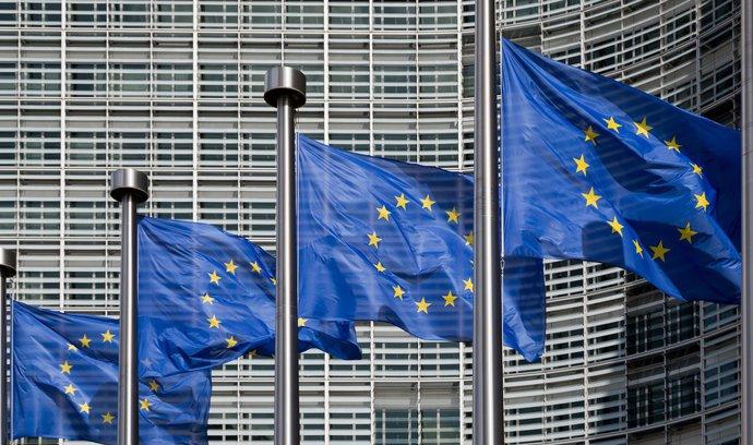 Brusel kritizuje evropské ekonomiky. Vadí mu návrhy rozpočtů pro příští rok