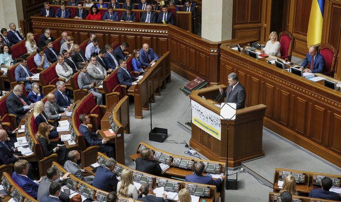 Kyjev vyzval námořní mocnosti k vyslání bojových plavidel do Černého a Azovského moře