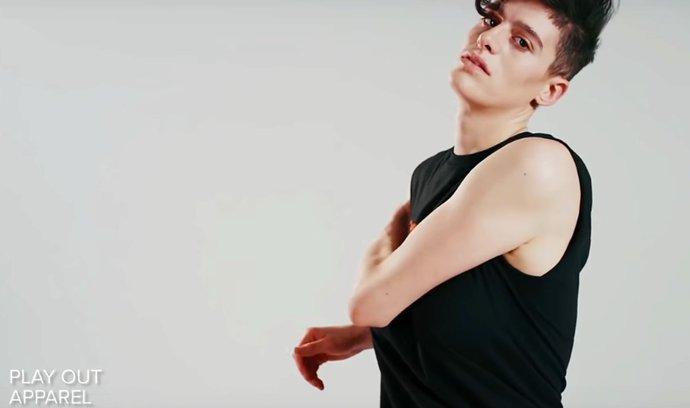 Žena, nebo muž? Módní značky propagují modelky, u nichž těžko poznáte pohlaví. Trendu pomáhají sociální sítě