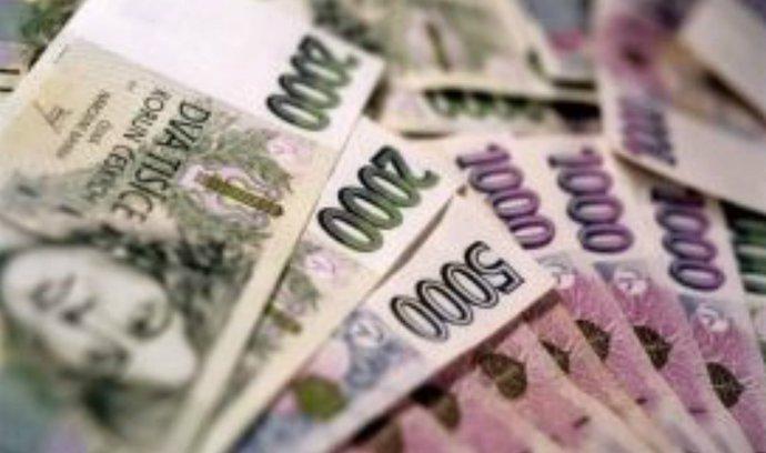 Kapitál českých firem z daňových rájů klesl o 40 miliard