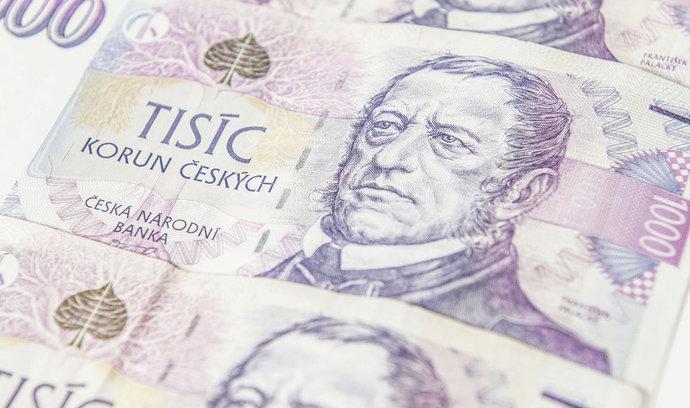 Přes patnáct tisíc korun měsíčně bere jen zlomek českých důchodců, přilepšit jim má reforma