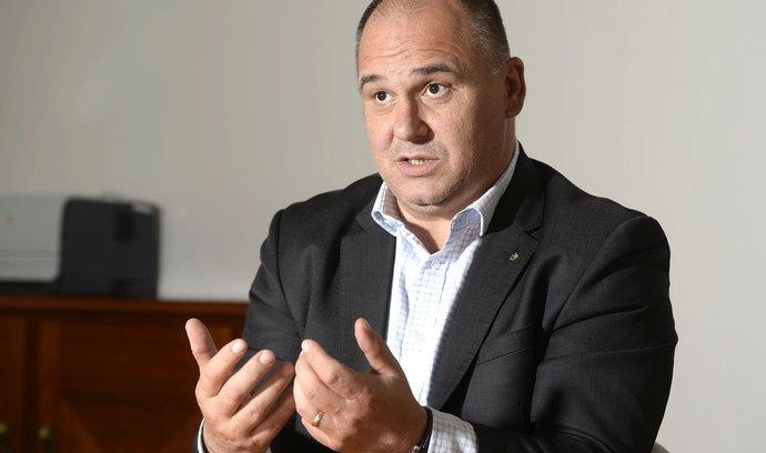 """""""Vítězný typ"""" Birke se chce obklopit schopnými lidmi, kampaň by cílil na tradiční voliče levice"""