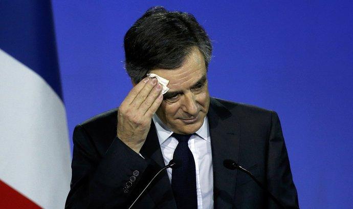Nahrávka Le Penové či Macronovi? Francie si žádá Fillonův odstup z boje