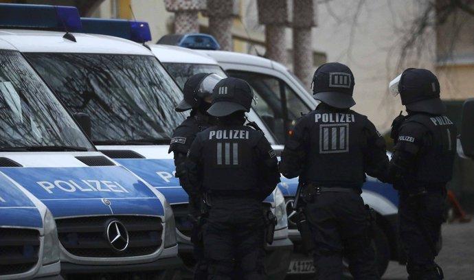 V západoněmecké škole zasahovaly zvláštní jednotky, byl to ale planý poplach
