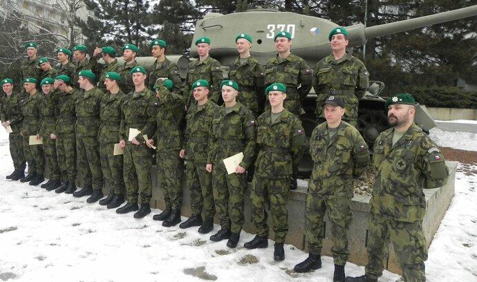 Stát přidá vojákům z povolání, polepší si o sedm procent