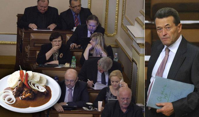 Kancléř Kynštetr končí. Kvůli poslanecké jídelně