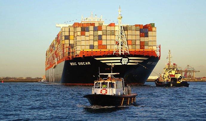 Devět gigantů brázdících oceány: od obří jachty po největší nákladní loď světa