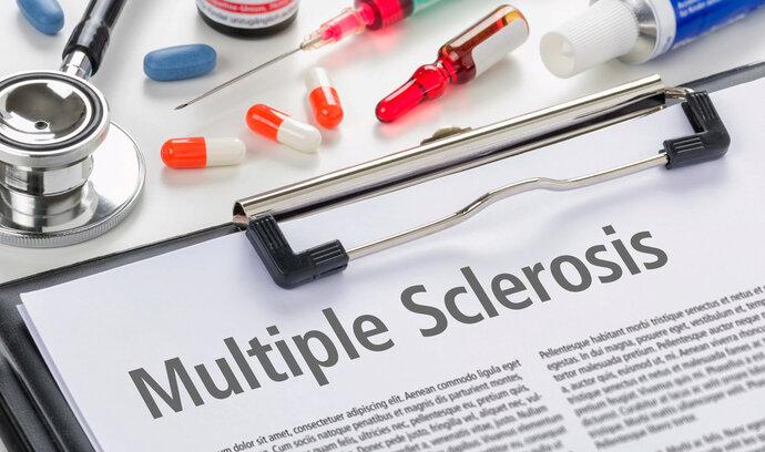 Máte roztroušenou sklerózu? Místo nákladných testů to pomůže zjistit nová jednodušší metoda