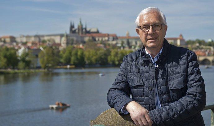 Podpořte Drahoše, vyzvali Starostové politické strany