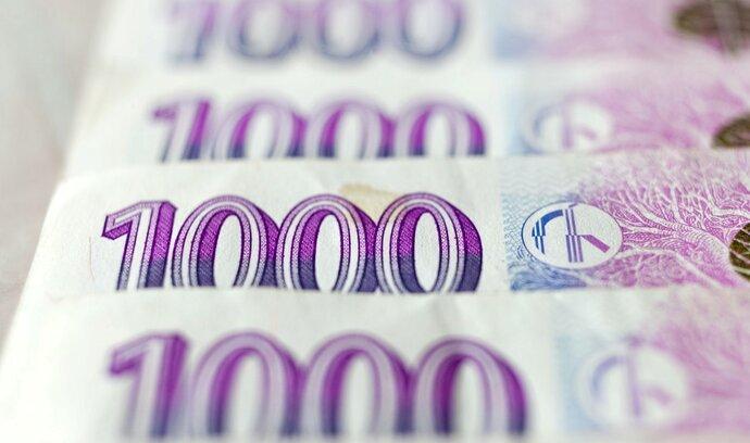 Česká měna se znovu dostala pod 26 korun za euro