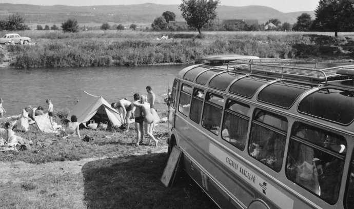 Hvězda cestovního ruchu, autobus Škoda RTO, se přestala vyrábět před 40 lety. Připomeňte si ji snímky Viléma Heckela