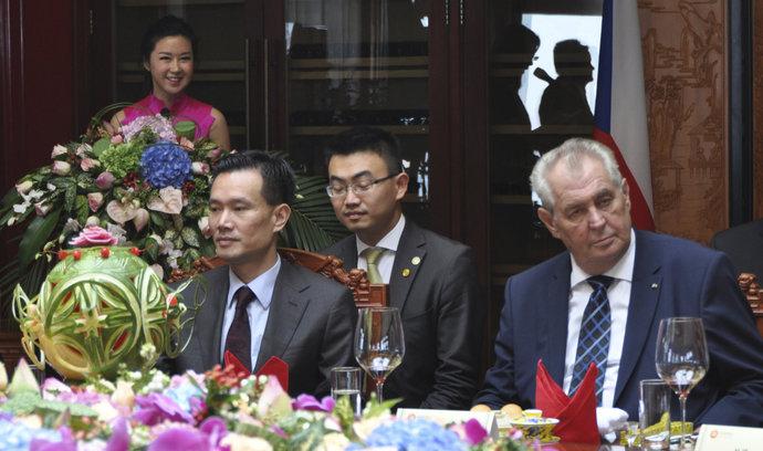 Hradní delegace se vrátila z Číny. O výsledku pátrání bude informovat nejdříve prezidenta