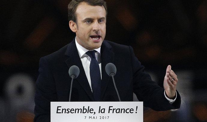 Francouzská vláda potvrdila porážku v nepřímých senátních volbách. Nepřímé hlasování nahrálo tradičním stranám