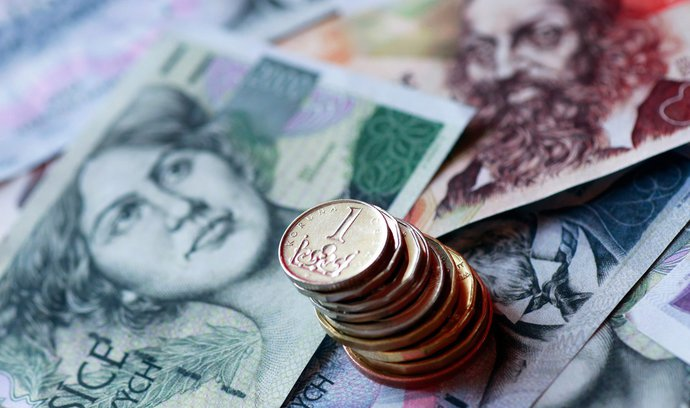 Přebytek státního rozpočtu po březnu klesl na 16,3 miliardy korun
