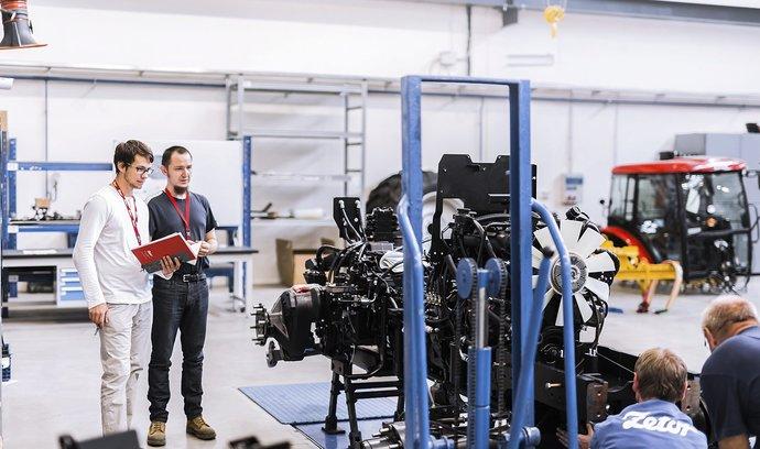 Ekonomiku čeká zpomalení růstu. Vymstít se jí může závislost na automobilovém průmyslu