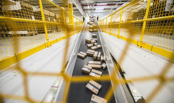 Amazon v Dobrovízi uzavře centrum pro vrácené zboží. Zaměstnancům najde nové uplatnění