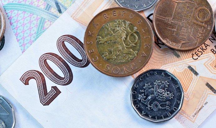 Koruna poprvé od skončení intervencí prolomila hranici 26 korun za euro