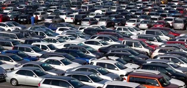 Dovoz aut ze zahraničí roste, stále častěji do Česka míří starší neekologická auta