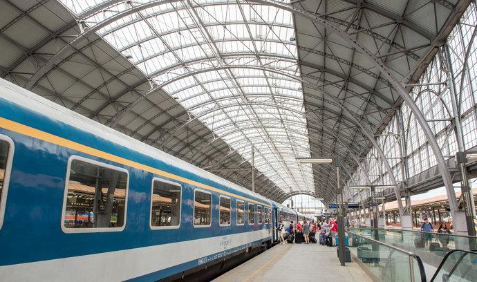 Pražskou železnici čekají změny, rychlíky z Děčína budou končit v centru
