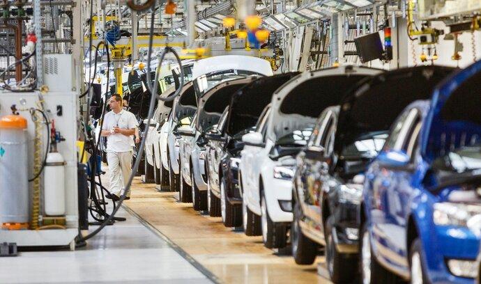 Výhled českého ratingu se zlepšil, především díky hospodářskému růstu