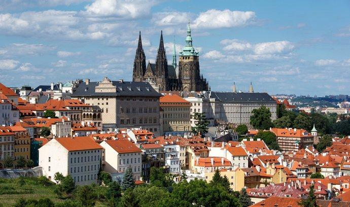 Kam směrovat Česko? Další prezidentští kandidáti odpovídali v anketě E15