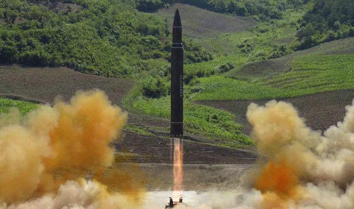 KLDR vypálila rakety směrem k Japonskému moři