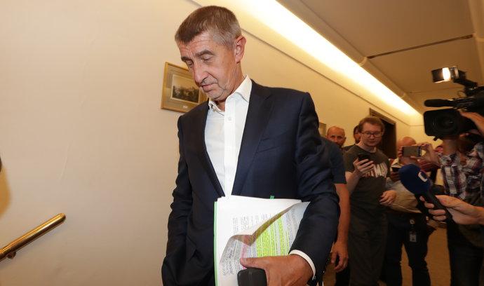 Imunitní výbor doporučil Sněmovně vydat Babiše a Faltýnka k trestnímu stíhání