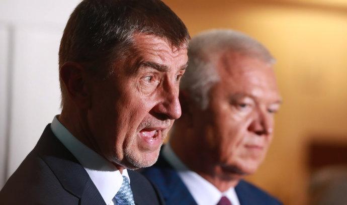 Duo Babiš-Faltýnek chce odložit svou účast na jednání mandátového a imunitního výboru