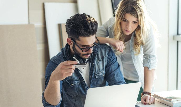 Nerovné odměňování: Ženy pracují 82 dní zadarmo