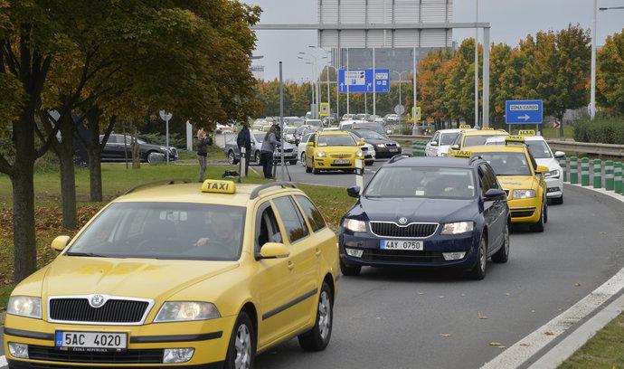 Výzva Krnáčové k upuštění od protestu taxikářů nezabrala. Ve středu zablokují ulice