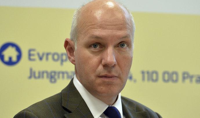 Exvelvyslanec Fischer potvrdil kandidaturu na místo prezidenta