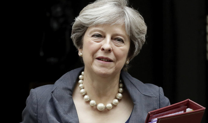Islamisté chtěli zabít britskou premiérku Mayovou. Policie jejich plán překazila