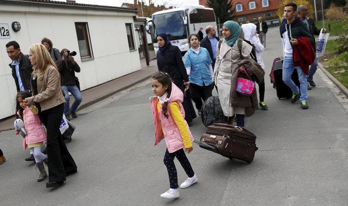 Berlín chce připlatit migrantům, kteří dobrovolně opustí Německo
