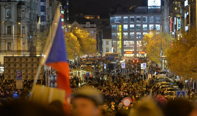 ONLINE: Neztělesňuji snad hodnoty 17. listopadu, diví se Horáček. Pozvánku na Koncert pro budoucnost nedostal