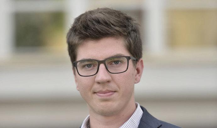 Od nezájmu o politiku nás Feri přivedl k politickému bulváru, říká Sobotkův nejmladší poradce