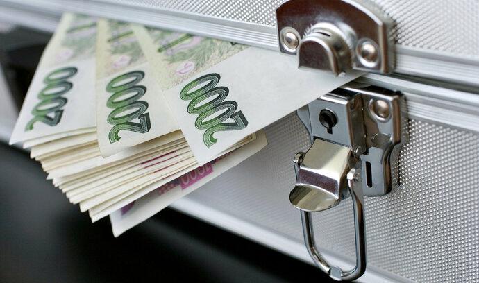 """Češi propadli půjčkám! Jaká jsou jejich """"NEJ""""?"""