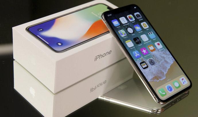 Nejdražší iPhone nesplní očekávání, tvrdí analytici. Akcie Applu klesají