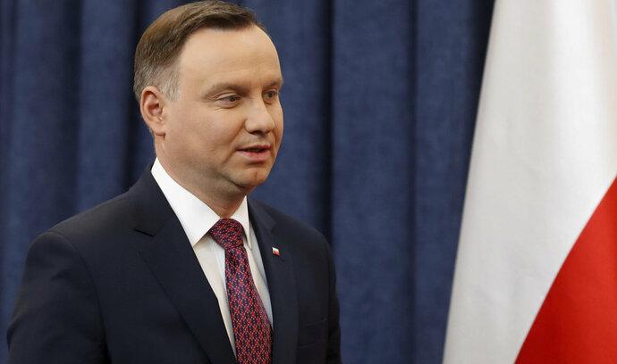 Polský prezident poslal do penze předsedkyni nejvyššího soudu. Sporný zákon umožňuje čistku