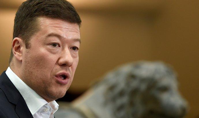 Okamura za výroky o táboře v Letech zřejmě odvolán nebude. Podrží ho poslanci ANO