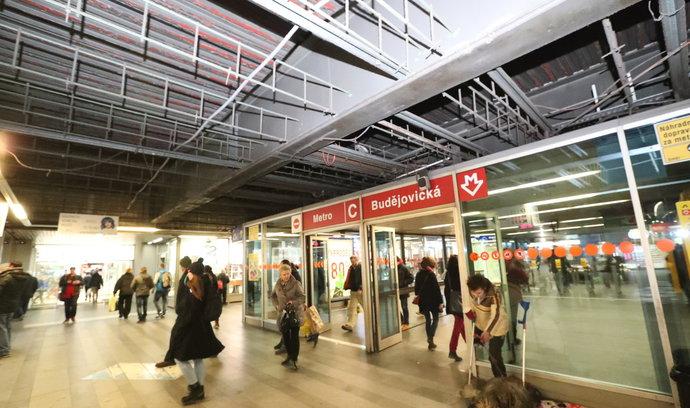 Stanice metra Budějovická bude znovu průchozí oběma vchody
