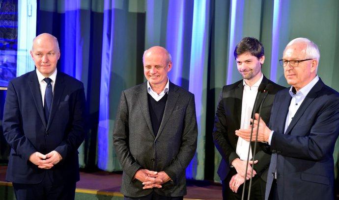 Glosa: Zeman a čtyři mušketýři
