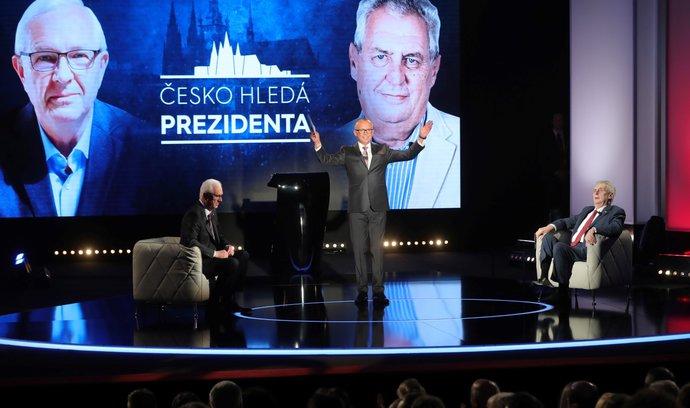 Komentář: Přímá volba prezidenta je pro Čechy jen obří reality show